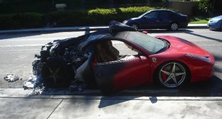 Ferrari 458 Italia quemado