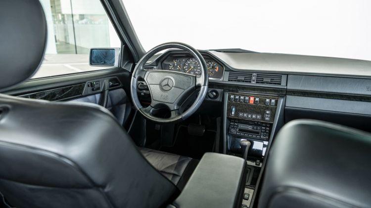 3 Curiosidades Mercedes 500 E W 124 08