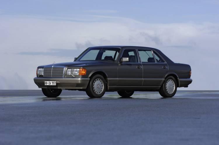 Hace 30 años, un Mercedes Clase S montaba por primera vez un airbag