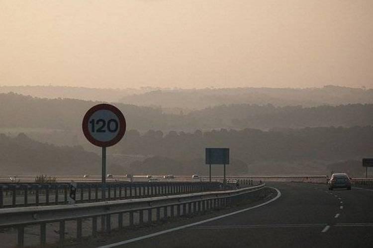 Señal de 120 km/h