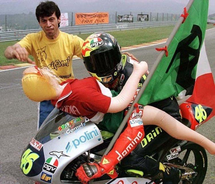 560px Gran Premio Motociclistico Ditalia 1997 Classe 125 Valentino Rossi Jpeg