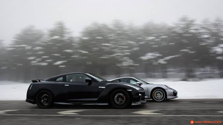 911-turbo-s-vs-gt-r-0517-002-mapdm