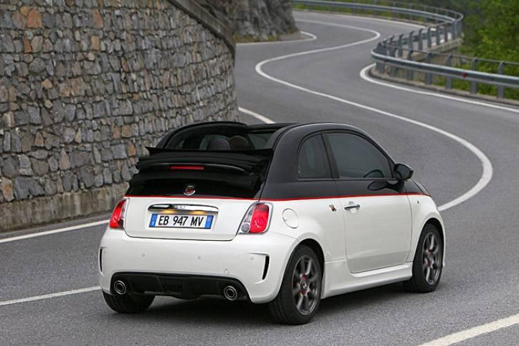 El Abarth 500 cabrio también se comercializará en Estados Unidos