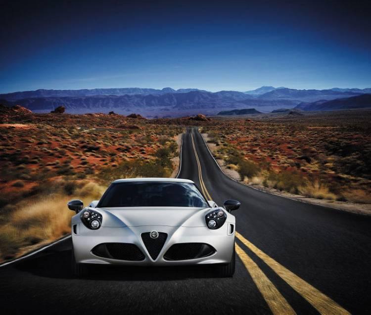 ¿No te gustan los faros del 4C? Alfa Romeo podría ofrecer los del Spider como opción