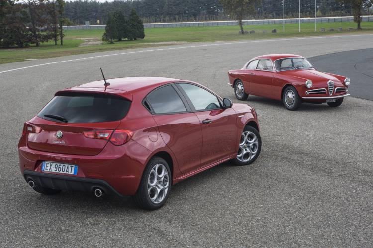 Alfa_Romeo_Giulietta_Sprint_precio_DM_2