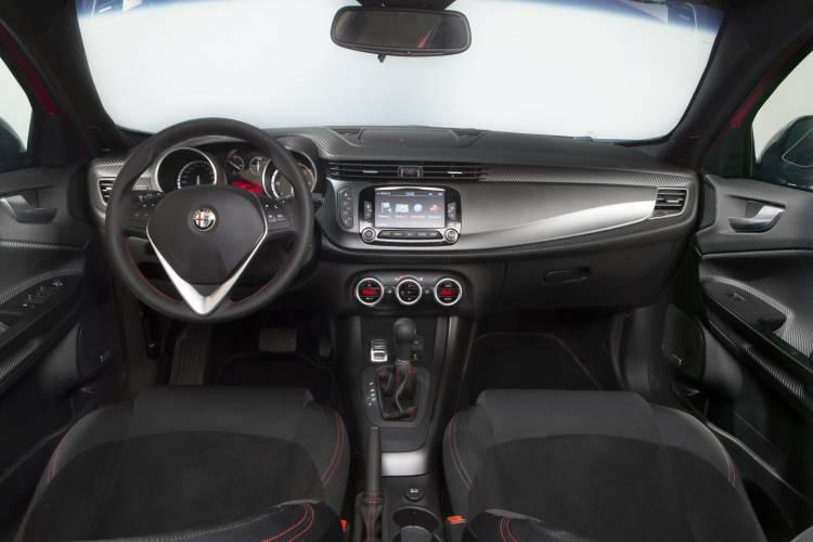 Alfa_Romeo_Giulietta_Sprint_precio_DM_4
