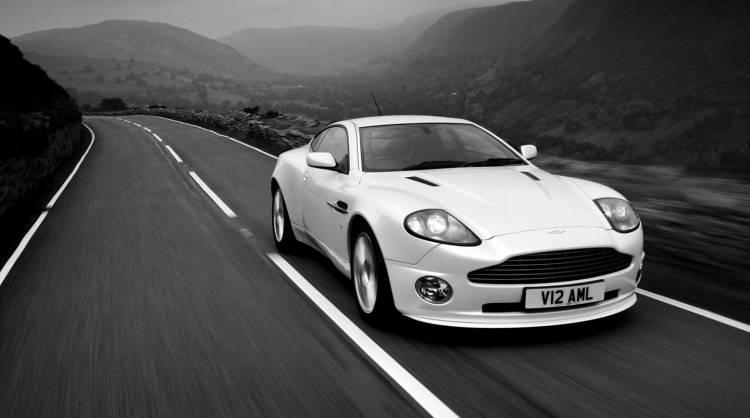 Aston_Martin-Vanquish_S_04_0517_01