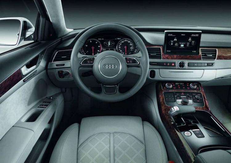 Audi prepara un lavado de cara para el Audi A8