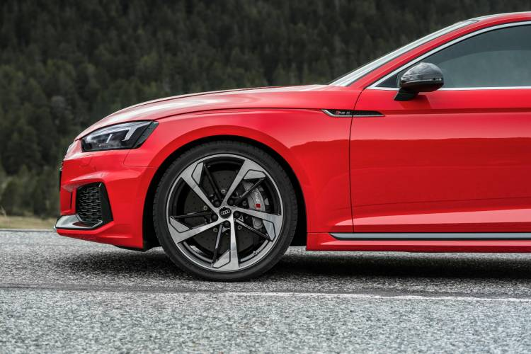 Audi-RS-5-Coupe_16