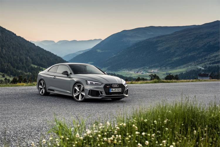 Audi-RS-5-Coupe_34