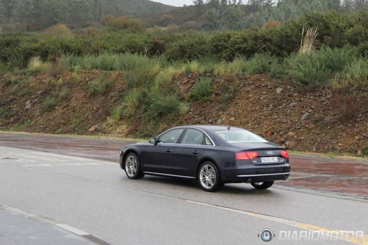 Audi A8 2012 trasera