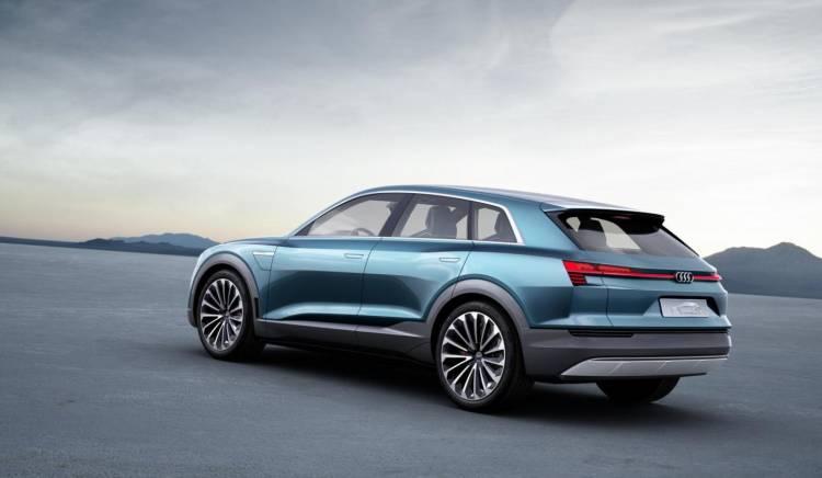 Audi_e-tron_quattro_concept_2015_DM_13