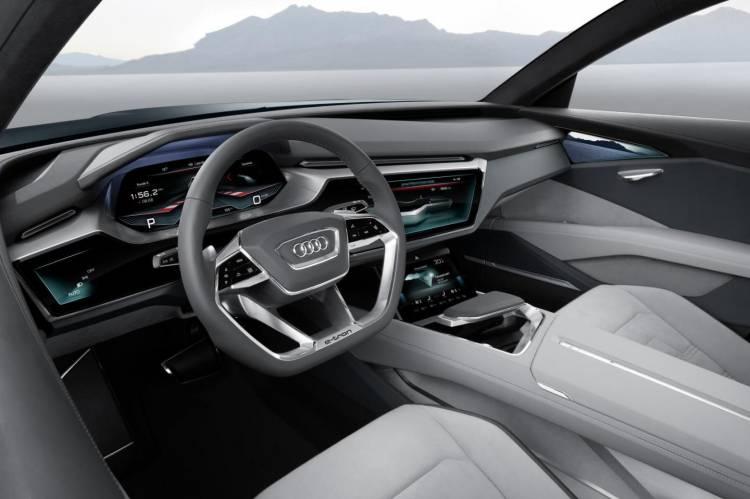 Audi_e-tron_quattro_concept_2015_DM_17