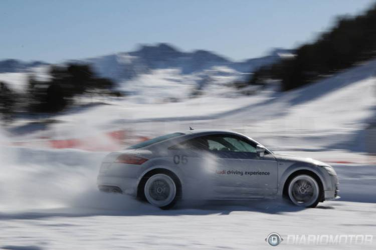 Audi_winter_driving_experiencie-01