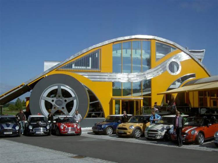 Restaurante The CAr. Das Auto.