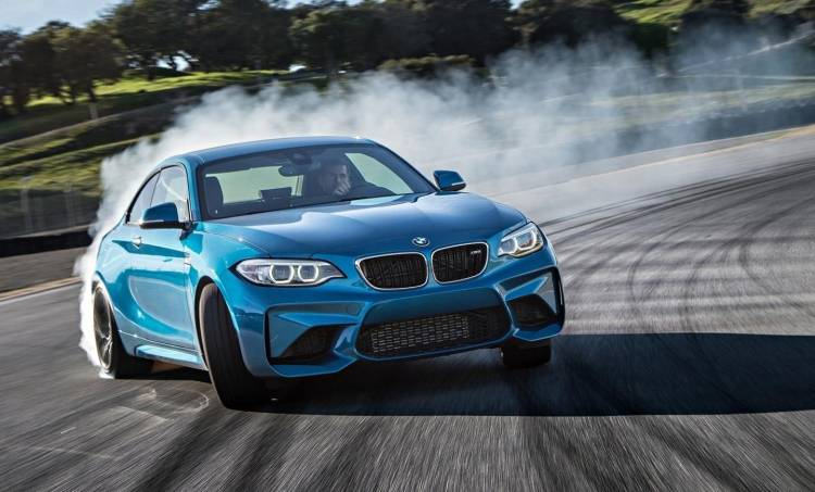 BMW-M2-coupe-0917-01