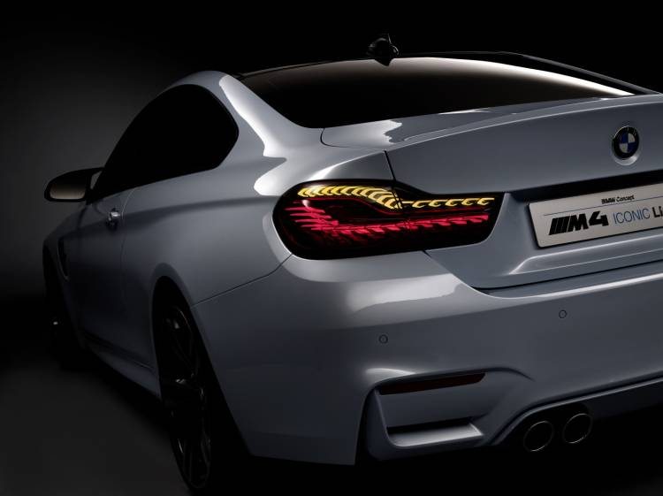 BMW_M4_Concept_Iconic_Lights_22