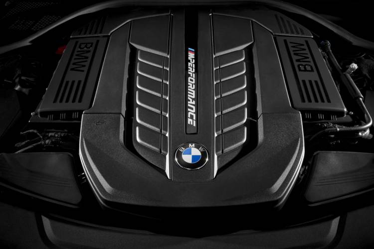 BMW_M760Li_xDrive_2016_DM_11