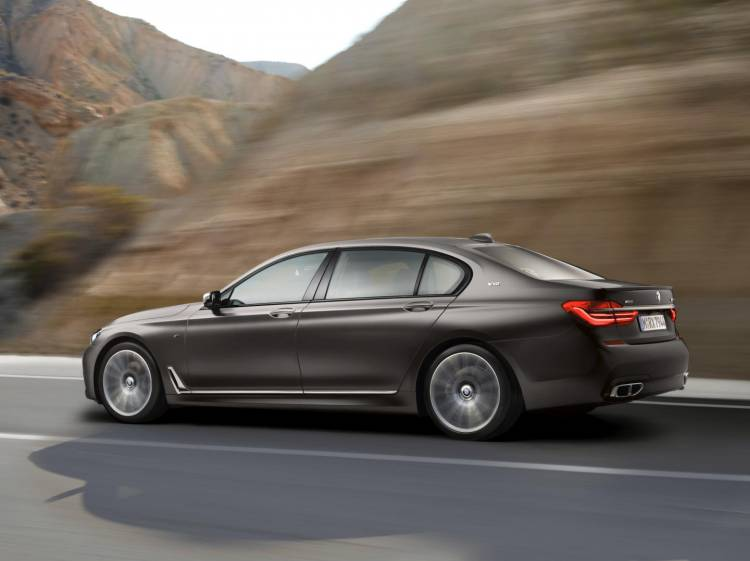 BMW_M760Li_xDrive_2016_DM_8