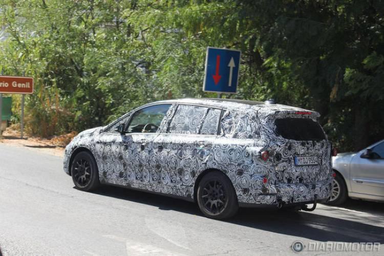 BMW Serie 2 Active Tourer 7 plazas, imágenes del modelo camuflado