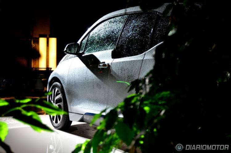 BMW i3, presentación y prueba en Ámsterdam: totalmente implicado con la innovación
