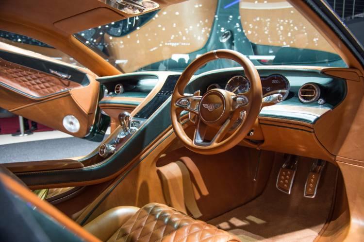 Bentley_EXP_10_Speed_6_Ginebra-04