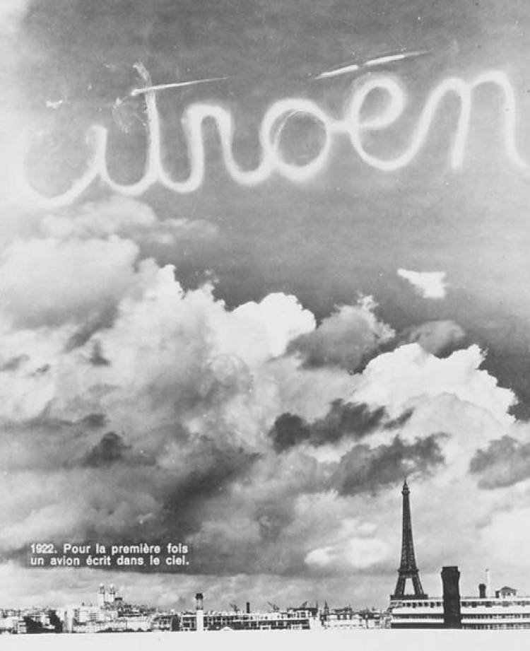 Citroen escrito en cielo_1922