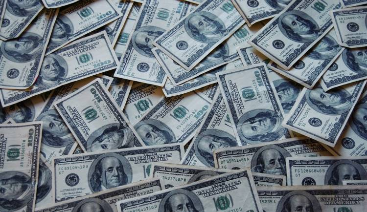 Dinero-140515-00