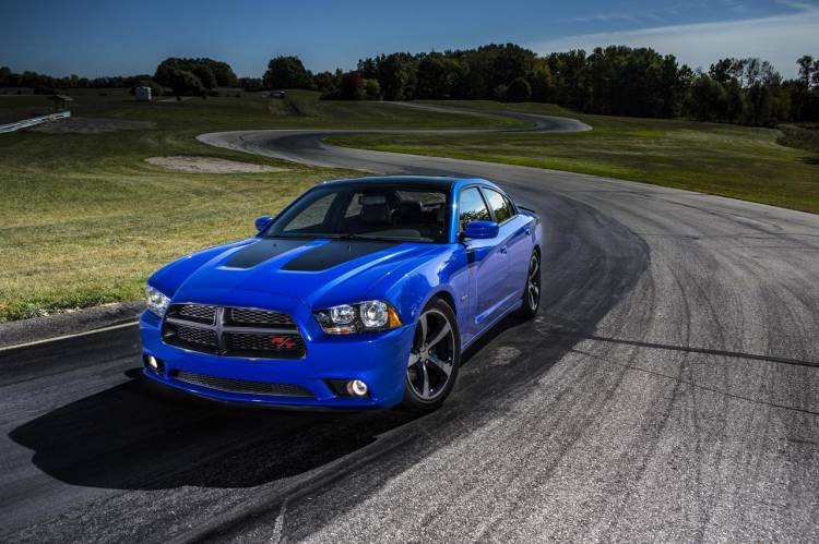 Dodge_Charger_R-T_Daytona_2013_12