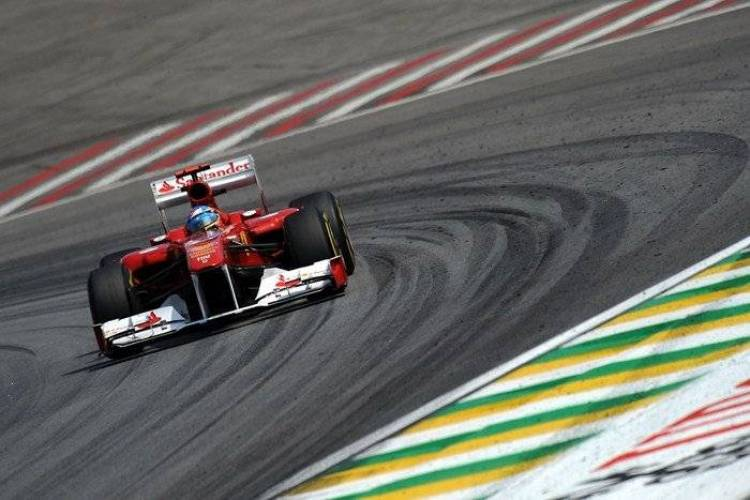 Fernando_Alonso_Ferrari_GP_Brasil_2011_01