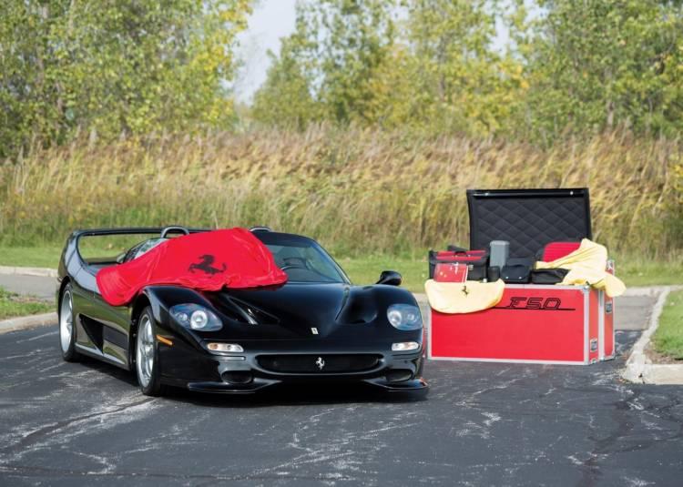 Ferrari F50 negro_con accesorios a juego_HD