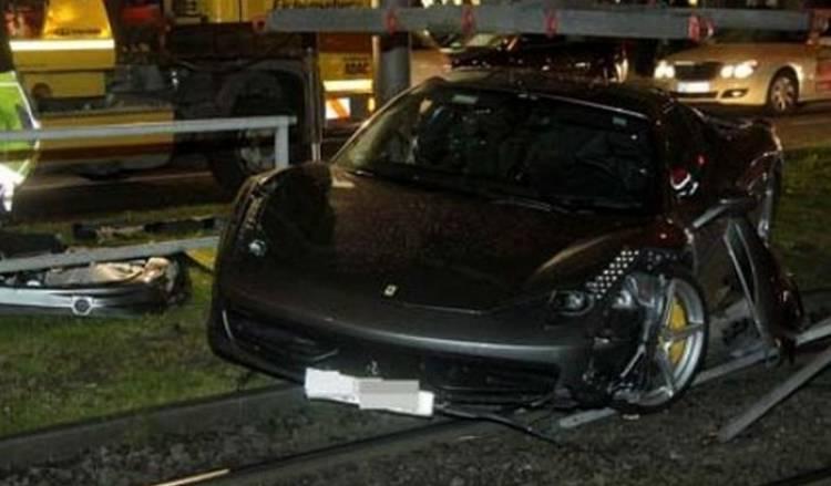 Ferrari_458_Italia_Accidente_Munich_2012_featured