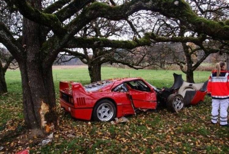 Accidente de un Ferrari F40 en Alemania