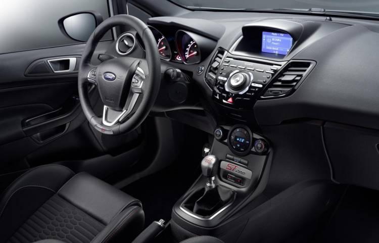 Ford_Fiesta_ST_200_2016_DM_9