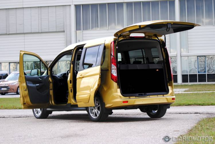 Ford_Tourneo_Connect_mdm_35