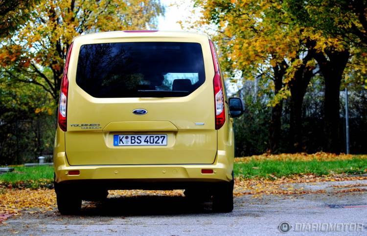 Ford_Tourneo_Connect_mdm_41