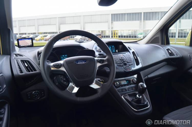 Ford_Tourneo_Connect_mdm_7
