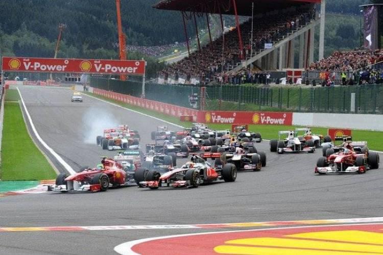 Salida en el GP de Bélgica 2011