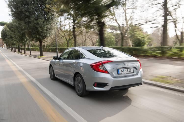 Honda_Civic_i-dtec_4p_00016