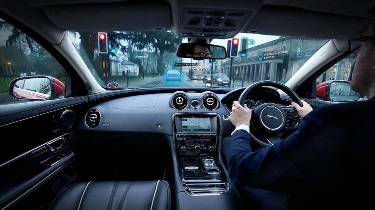 Jaguar-F-Pace_1440_jaguar-360-virtual-urban-windscreen-03