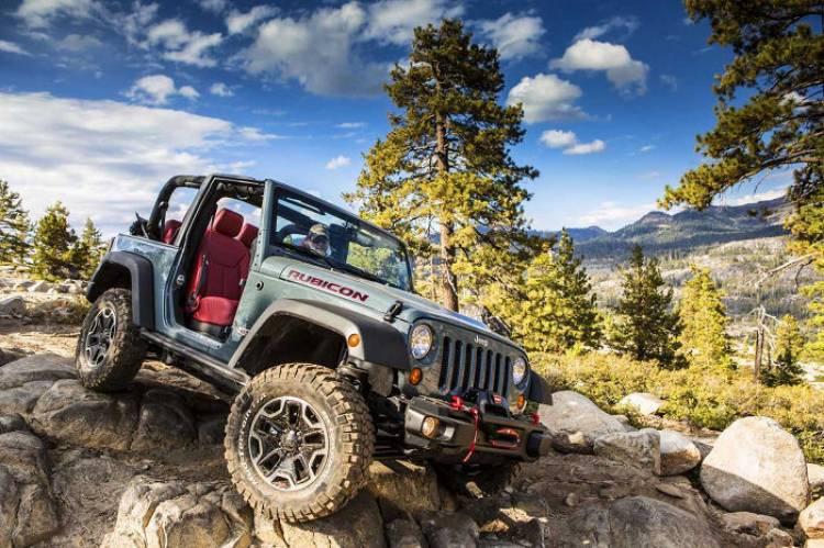 El próximo Jeep Wrangler podría recurrir a una capota de accionamiento eléctrico