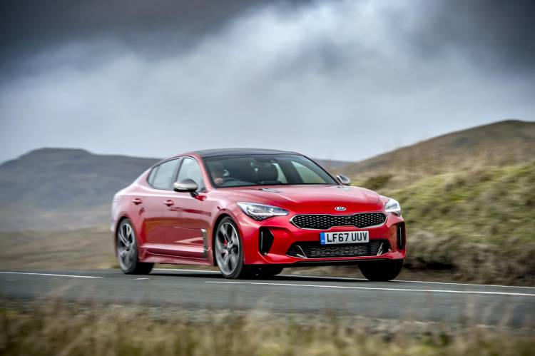 Kia Stinger GTS red_030