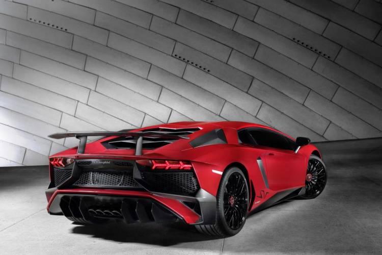 Lamborghini_Aventador_LP_750-4_Superveloce_3