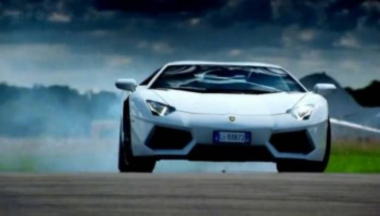 Lamborghini_Aventador_Top_Gear_2011_01-portada