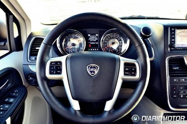 Lancia Voyager, a prueba (II): largos trayectos y ocio como razón de ser