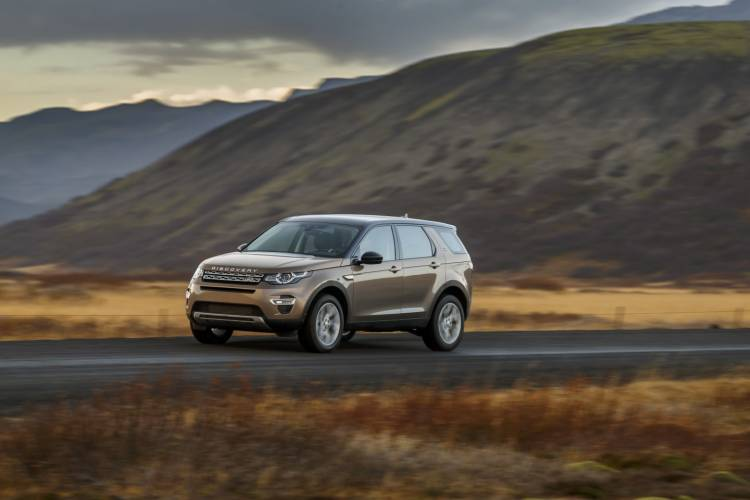 Land_Rover_Discovery_Sport_gallery_DM_59