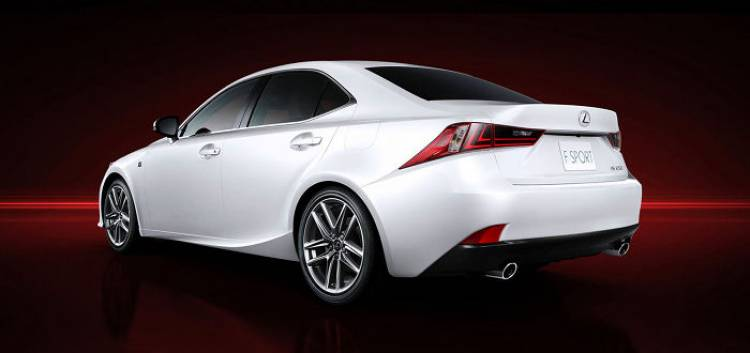 Lexus IS 2013: primeras imágenes oficiales de la versión F-Sport