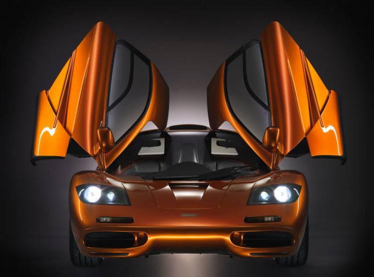 Así era la entrega de un McLaren F1 en los 90