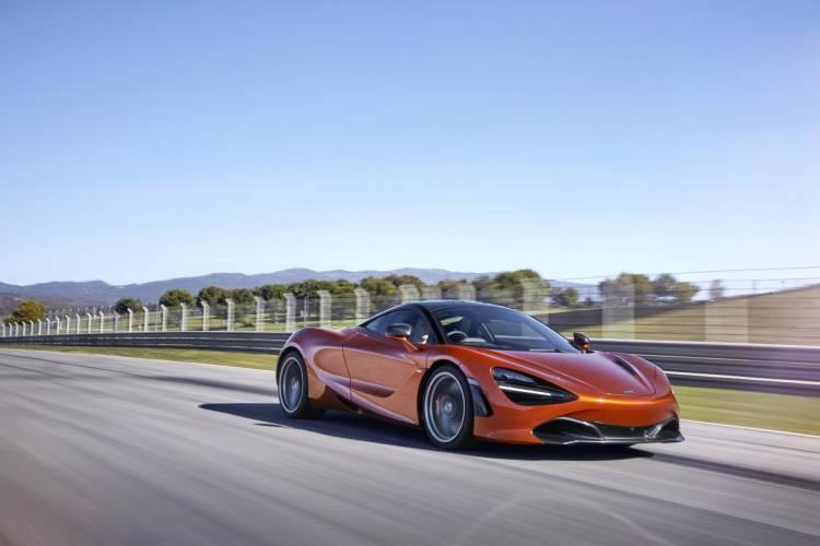 McLaren 720S-18-Action