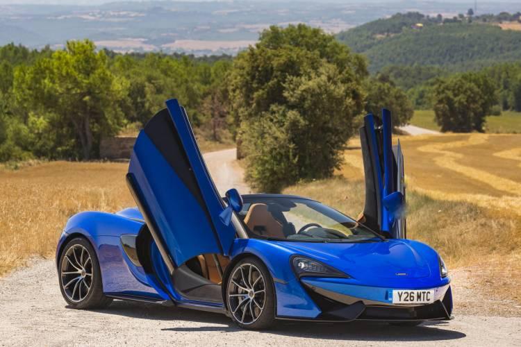 McLaren_570S_Spider_Drive-0092